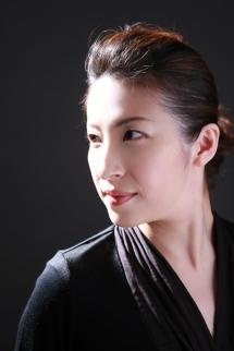 奥村理恵先生 写真
